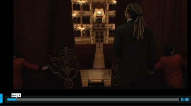 Dietro le quinte del teatro Grande di Brescia