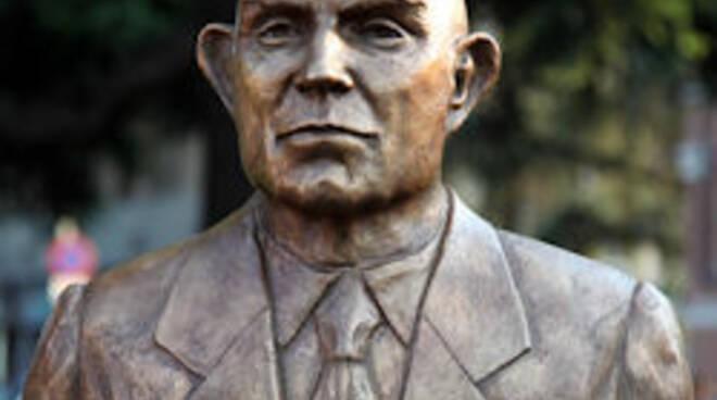 Inaugurazione busto intitolato a Gianfranco MIglio