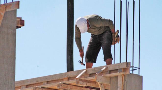 operaio tetto