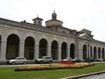 Piazza Arnaldo portici ex granaio