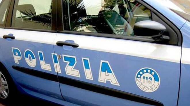 poliziaauto1