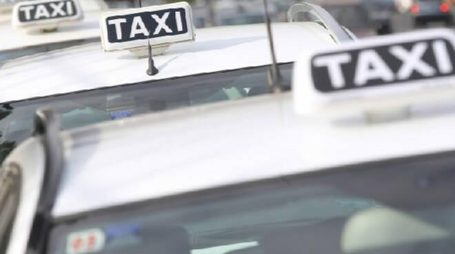 taxisti taxi