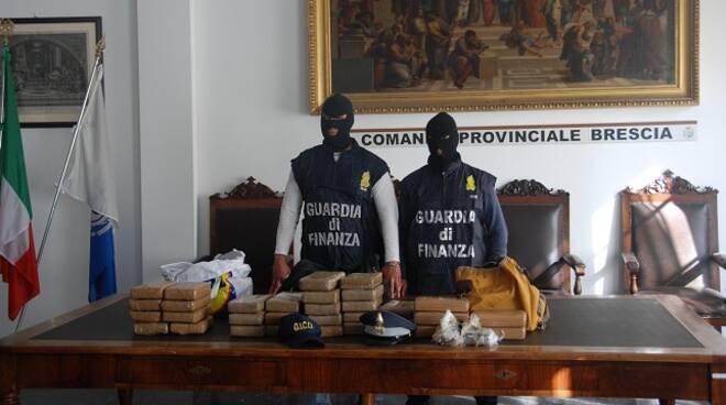 cocaina operazione finanza brescia