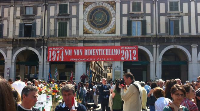 piazza loggia commemorazione 4