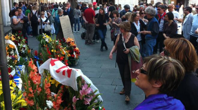 piazza loggia commemorazione 5