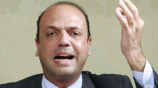 LAVORO: ALFANO, E' L'ULTIMA VOLTA CHE CI ADEGUIAMO