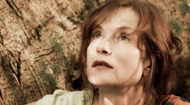 isabelle-huppert-in-una-scena-del-film-captive-diretto-da-brillante-mendoza-227549