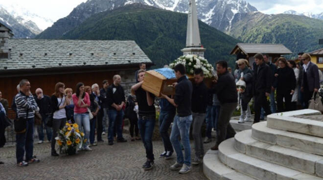 funerali ragazzi canè di Vione