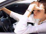 automobilista stressata
