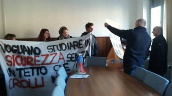 kollettivo studenti occupazione