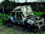 omicidio gorni auto bruciata