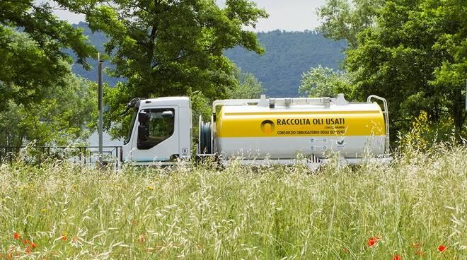 camion raccolta olii usati