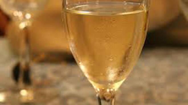 franciacorta vini bicchiere