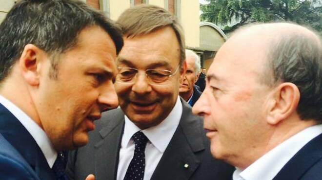 da sx, Renzi, Bonometti (Aib), Torri (Cisl Brescia)