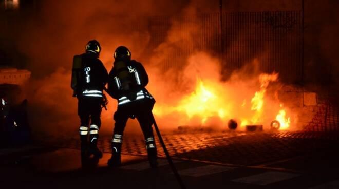 pompieri-incendio-vigilidelfuoco-2