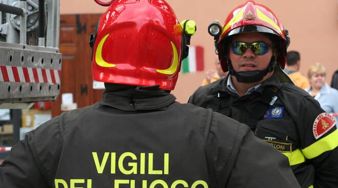 pompieri-incendio-vigilidelfuoco3