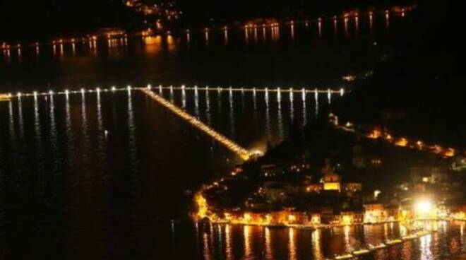Floating Piers notte