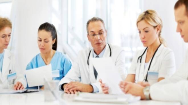 Doctors-in-meeting