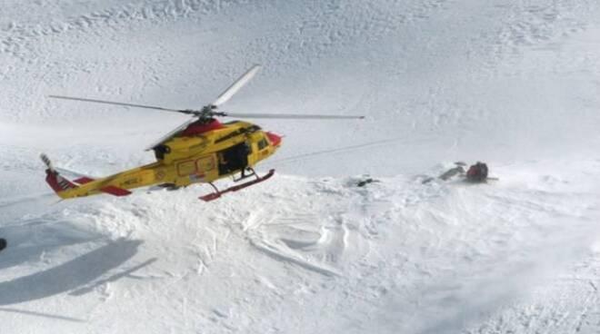 soccorso-alpino-alpinisti-croati-adamello