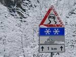 Strada_ghiacciata_ghiaccio_neve_nevicata