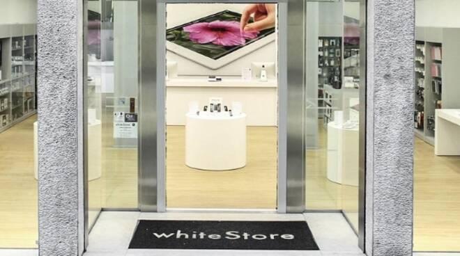 whiteStore_Brescia_low