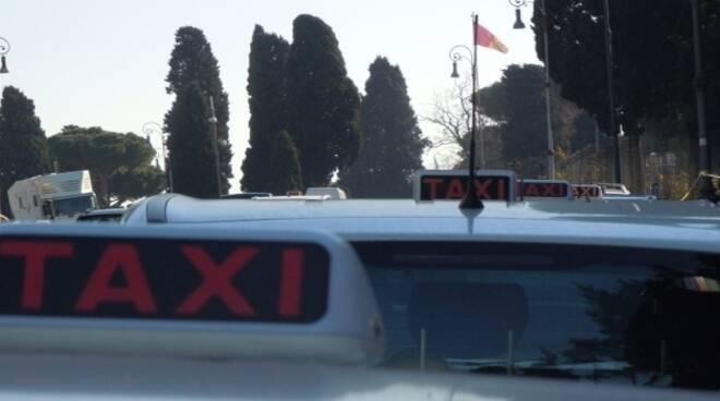 milleproroghe-taxi-uber-sciopero-tassisti_4419180ccf1017a53df0f30cf1cf028f4a4d2