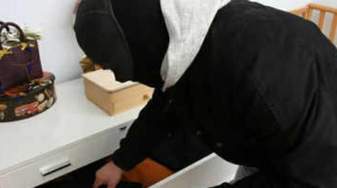 dello-ladri-cascina-cena-inquilini