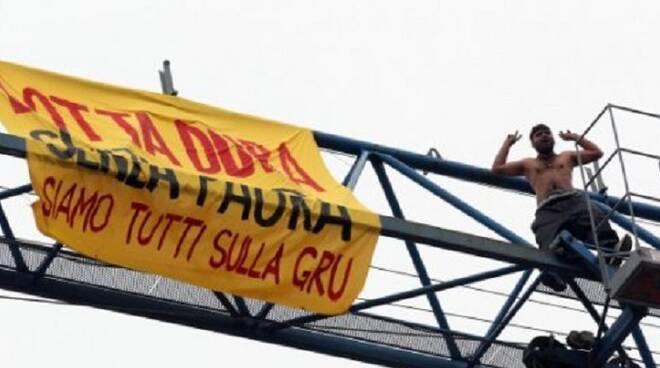 Gru_Immigrati_Brescia