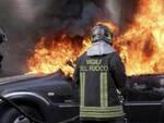 auto-fiamme-fascia-oro