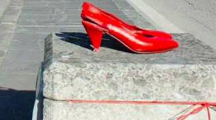 scarpe-rubate-sale-violenza-donne