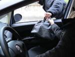 via-noce-ladro-borsetta-inseguimento