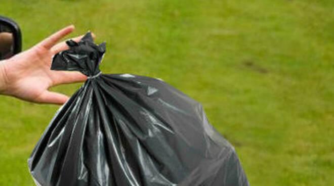 gargnano-abbandono-rifiuti-multati