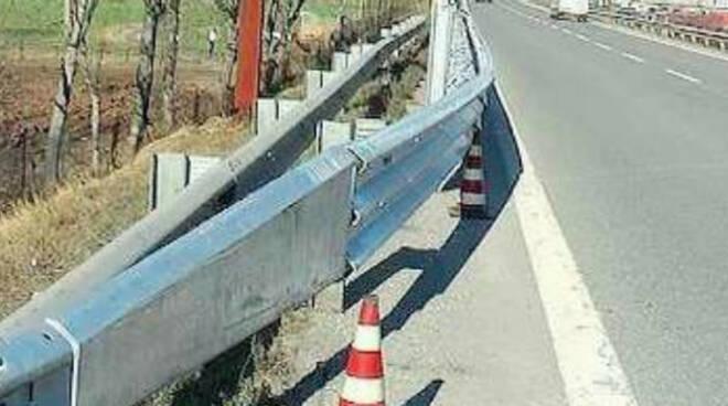 Guardrail-lettera-breno-sospesi
