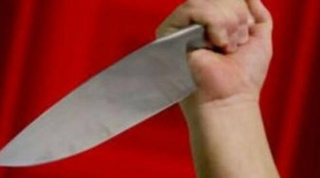 vallio-terme-marito-coltello-moglie