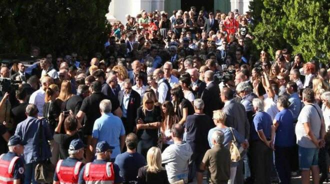 Nave-funerale-manuela-bailo