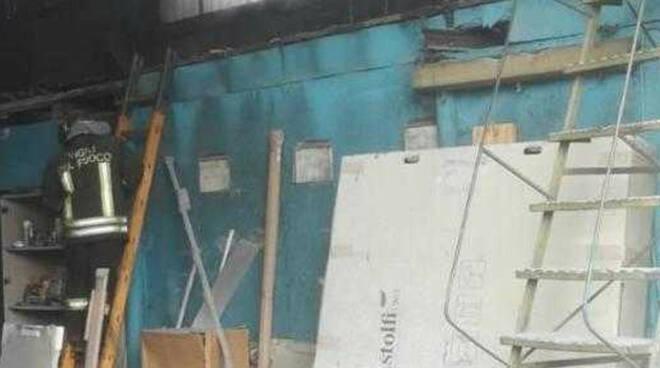 Bedizzole-incendio-magazzino-intossicato-titolare