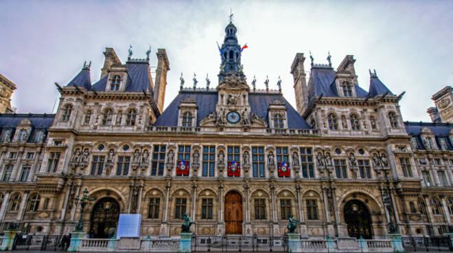 Parigi-sacerdote-bresciano-accuse-molestie