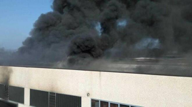Bassano-incendio-fabbrica