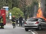 Gardone-Riviera-auto-incendio-fuoco