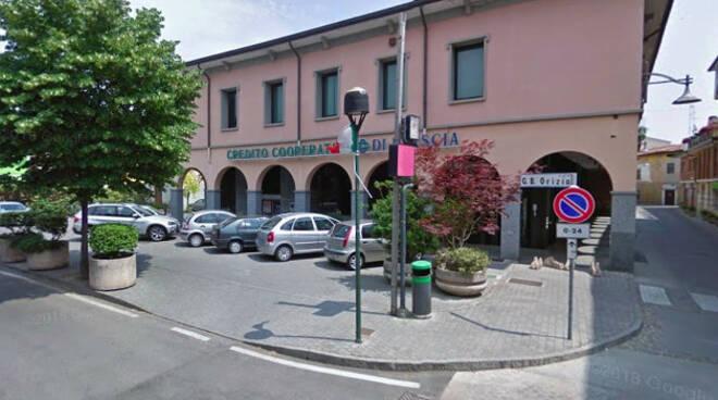 Pontoglio-ladri-accetta-bancomat-bcc