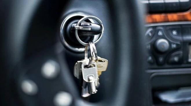 padenghe-furto-chiavi-auto-ubriaco