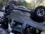 bagolino-auto-fuori-strada-scarpata