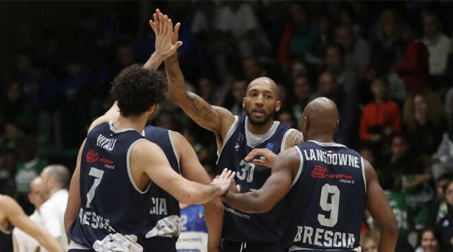 basket-brescia-vince-nanterre-eurocup