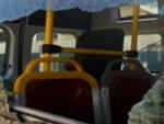 vetro-rotto-autobus-gottolengo-bullo