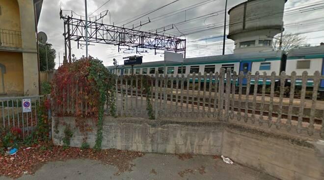 pisa universitario bresciano travolto ucciso treno