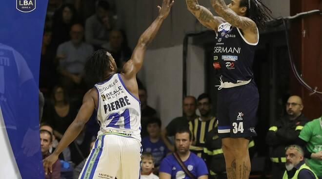 Basket Brescia Leonessa sconfitta a Sassari