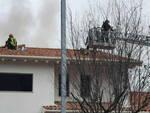 borgosatollo brucia tetto casa costruzione