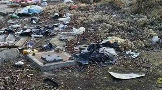 montichiari rifiuti abbandonati cava bicelli ex serini