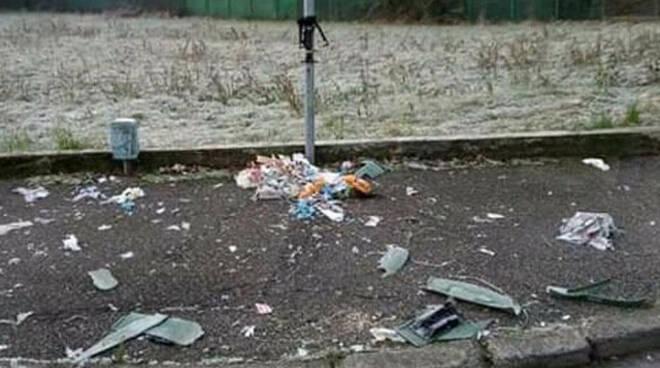bassa bs notte san silvestro furti vandalismo