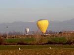 bassa bs quattro mongolfiere atterrano campagne